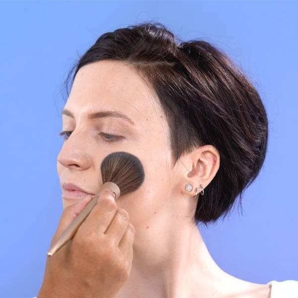 lrp-oncology-2021-sitecore-makeup_foundation-redness_mosaic5